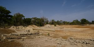The Nebbou area, between Ouagadougou and Leo, a dry reservoir used for the manufacture of handmade bricks in Burkina Faso (Photo: Ollivier Girard/Center for International Forestry Research (CIFOR))
